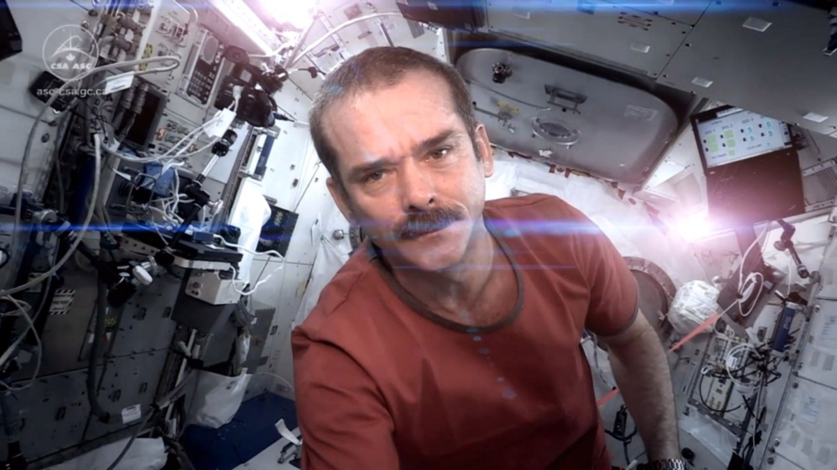 10 Inspiring Life Lessons from Astronaut Chris Hadfield